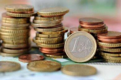 Das Landratsamt im Kreis Zwickau geht immer erfolgreicher gegen säumige Zahler vor.