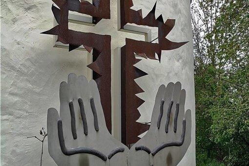 """Johannes Feiges """"Gebet für Frieden und Freiheit"""" in Königswalde."""