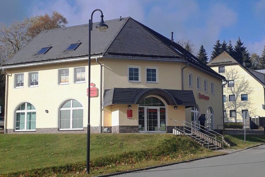 Die Stadtverwaltung von Johanngeorgenstadt soll in die frühere Sparkasse ziehen.
