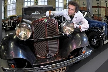 Ein Blick in die Dauerausstellung des Industriemuseums, die im vergangenen Jahr mit Oldtimern der Marke DKW erweitert wurde. Sammler Jørgen Skafte Rasmussen will seine Leihgabe in eine Schenkung umwandeln.