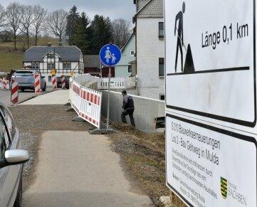 Entlang der S 210 entsteht in Regie der Gemeinde Mulda derzeit ein 100 Meter langer Fußweg.