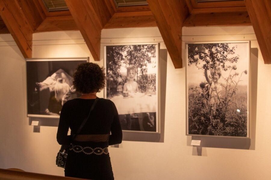 Fotos gehören zur neuen Ausstellung in der Galerie e.o.plauen.