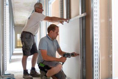 Das Unter- sowie Erdgeschoss im Gebäude Geyersdorfer Straße 9 in Annaberg-Buchholz wird für eine neue Einheit des Zolls umgebaut. Die Trockenbauarbeiten soweit abgeschlossen.