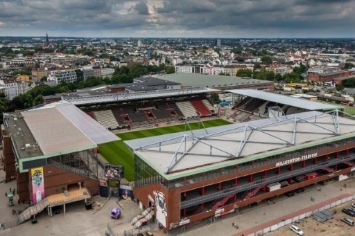 Der FC St. Pauli bietet im Stadion ein Public Viewing an