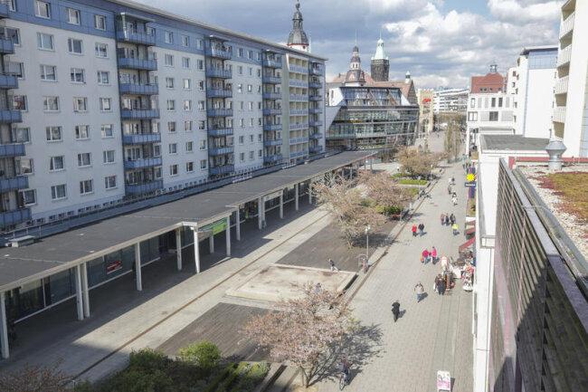 Die Ladenzeile im Rosenhof wurde zuletzt saniert. Nun wird dort die erste Chemnitzer Filiale der Konsumgenossenschaft Leipzig eröffnet.