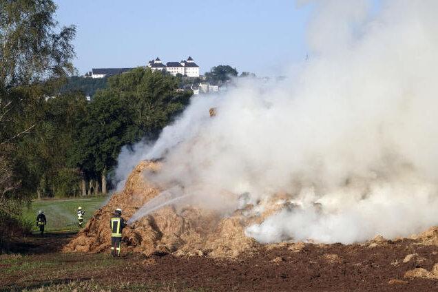 Das Großfeuer in Hohenfichte ist inzwischen gelöscht.