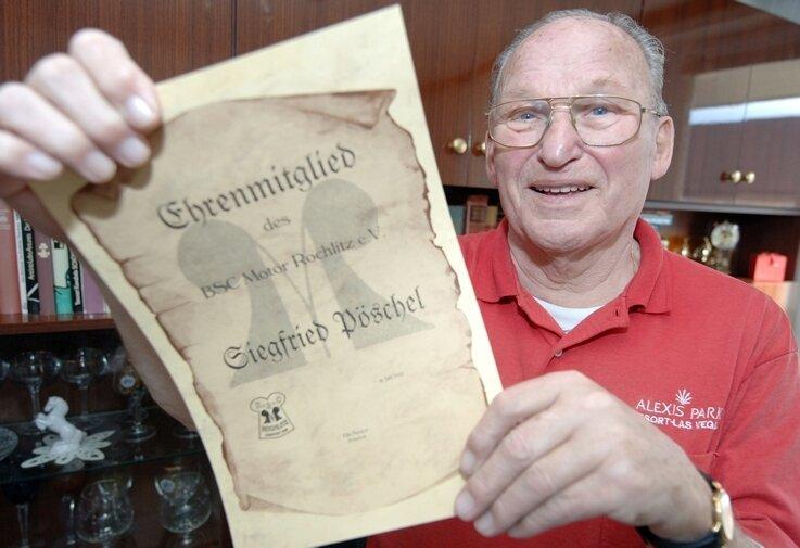 Der Wahl-Rochlitzer Siegfried Pöschel bestimmte als Trainer den Fußball in der Muldenstadt tatkräftig mit.