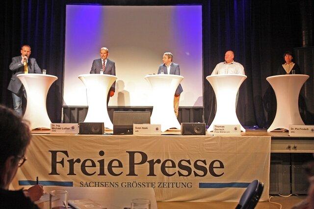 Fünf OB-Kandidaten schwitzen beim Wählerforum