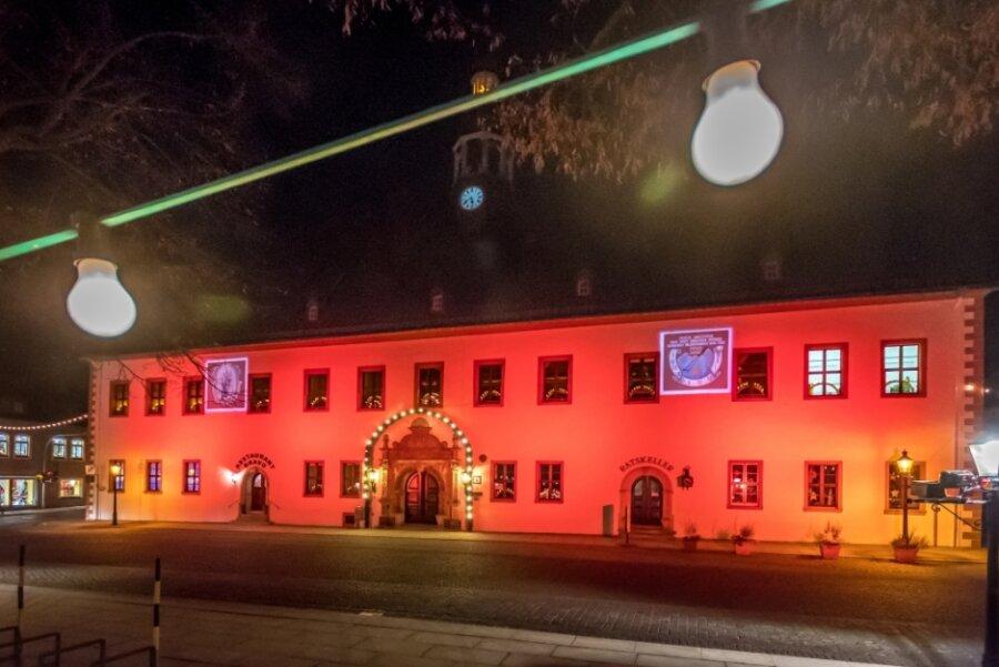 Licht an! Adventszeit in Marienberg mit Pyramidenanschieben eingeläutet