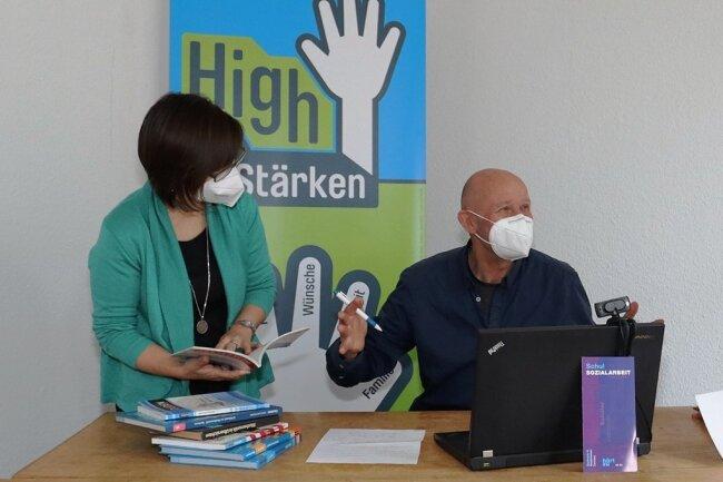 Katrin Posdzich, Elfried Börner und Tina Demmler (v. l.) unterstützen Schüler, die die Pandemie vor Herausforderungen stellt.