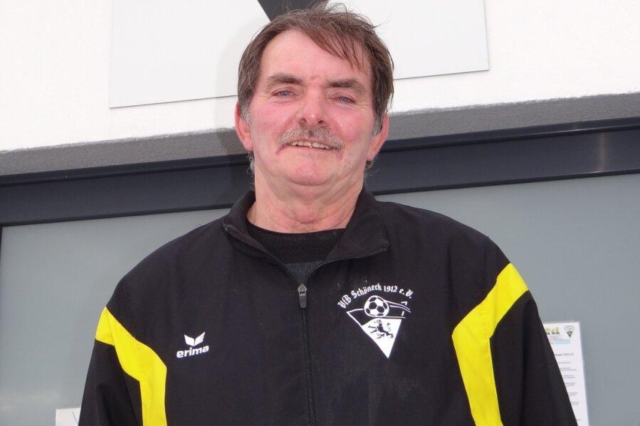 Werner Wilk ist Übungsleiter und Zeugwart beim VfB Schöneck.