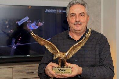 Die Versteigerung des Goldenen Adlers durch OB Manfred Deckert hat einen Unternehmer zu einer Großspende animiert.