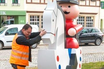 Das Sommerreiterlein in Olbernhau ist wieder aufgestellt worden.