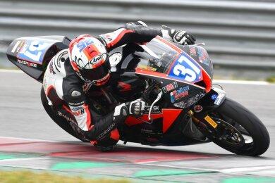 Am Wochenende konnte der Hohenstein-Ernstthaler Paul Fröde endlich wieder in einem Rennen Gas geben. In Assen standen für ihn ein zweiter Platz sowie ein Ausfall zu Buche.
