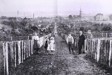 Dieser Blick bot sich 1929 Spaziergängern auf dem langen Hauptweg, der durch die damalige Anlage führte.