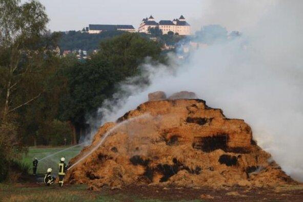 Großbrand Hohenfichte: Feuer gelöscht