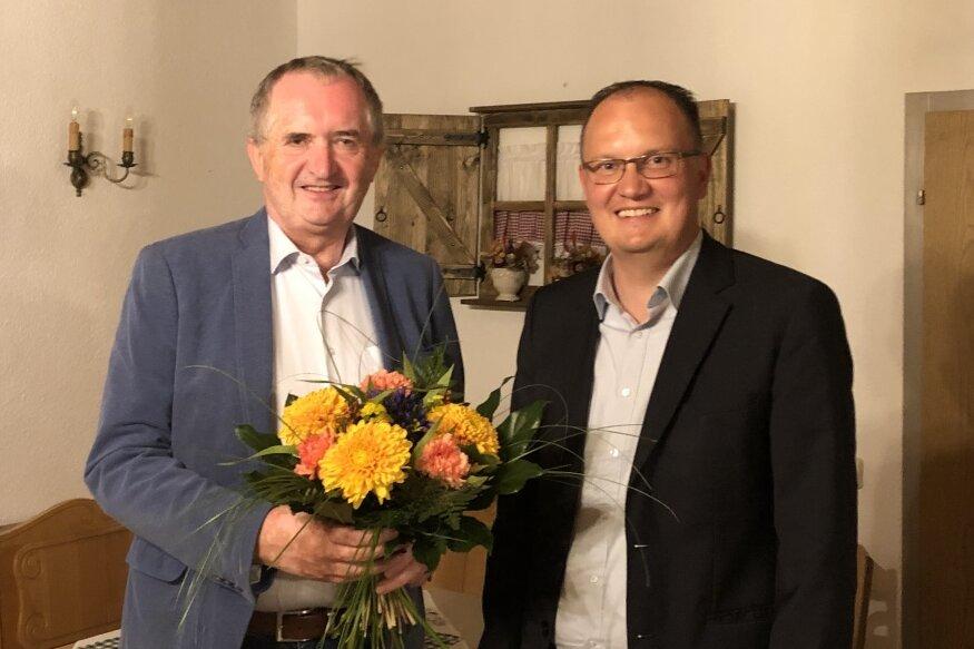 Thomas Schmidt (links) und Robert Haslinger vom CDU-Ortsverband Taura. Schmidt war jahrelang Vorsitzender, jetzt ist Haslinger neuer Chef.