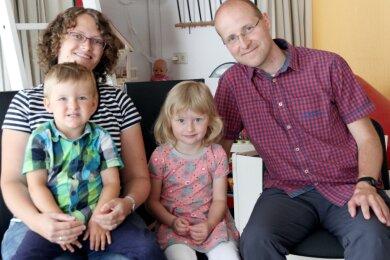 Die Gruners - Mama Therese und Papa Christian sowie Hanna und Josua - fahren auch dieses Jahr entspannt in den Urlaub. Denn von der Diakonie Erzgebirge gibt es einen Zuschuss.