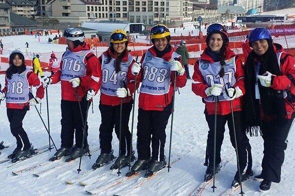Gemeinsam macht's Spaß: Das diesjährige Wintersport-Trainingslager im Pyeongchang Alpensia Resort vereinte junge Athleten aus 42 Ländern.