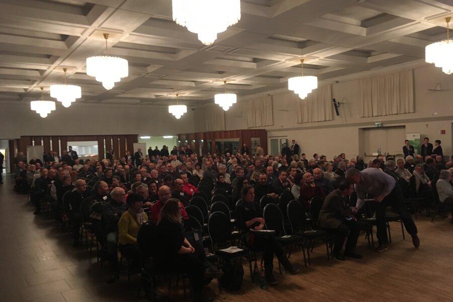 """400 Besucher kamen zum """"Sachsengespräch"""" nach Annaberg-Buchholz."""