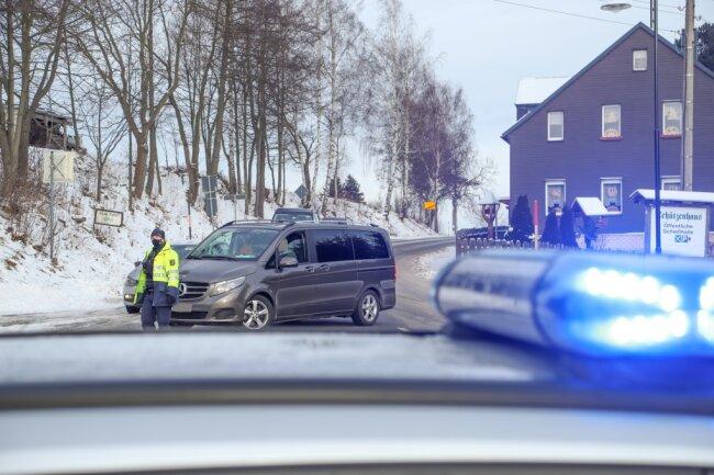 Die Polizei führte am Sonntag Kontrollen am Fichtelberg durch.