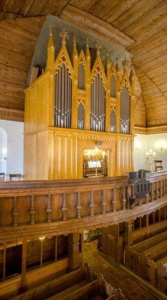 1876 wurde die Orgel von den Gebrüdern Poppe gebaut. Sie ist im Erzgebirge die einzige im Original erhaltene Orgel der Poppe-Brüder.