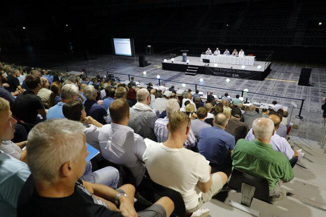 Fast 700 Mitglieder stimmten am Montag bei der Mitgliederversammlung ab. Die Wahl des Aufsichtsrates scheiterte.