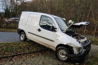 Ein Unfall hat sich am Mittwochnachmittag auf der Schlemaer Straße in Aue ereignet.