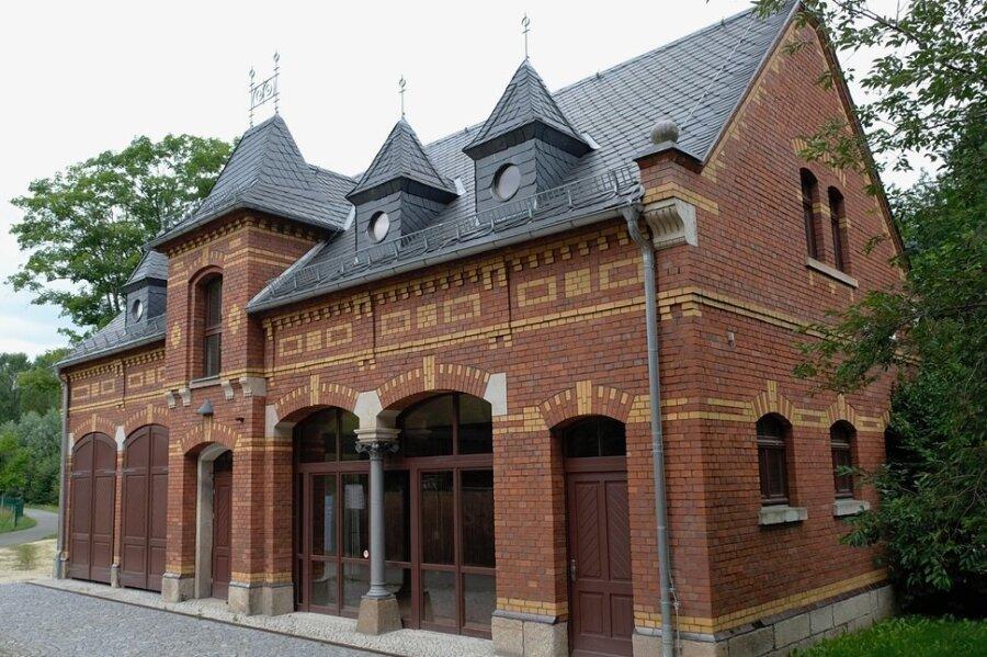 Der Alte Reitstall am Unteren Bahnhof Reichenbach steht leer. Ab Herbst soll hier neues Leben einziehen.