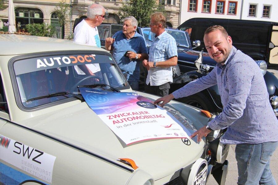 Mehr als 200 Fahrzeuge beim Automobiltag