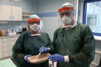Zu Beginn der Woche wurden die ersten Visiere bereits an Krankenhäuser in der Region verteilt, darunter das Klinikum MIttweida.