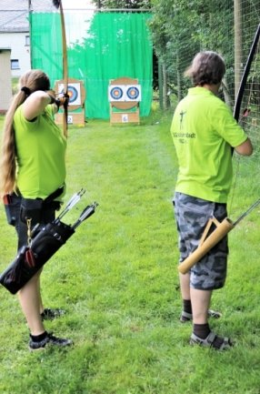 Bei der Schützengesellschaft Schönerstadt wird auch mit Pfeil und Bogen geschossen.