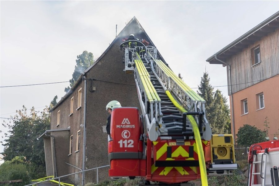 Ursache des Brandes in Siebenlehn war offenbar eine Verpuffung.