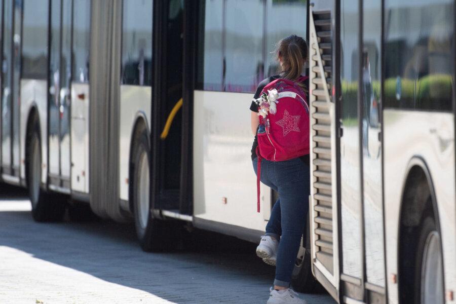 Corona: Wie gefährlich sind Busfahrten?