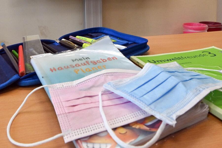 Corona-Lage in Sachsen: Testcenter haben mehr zu tun