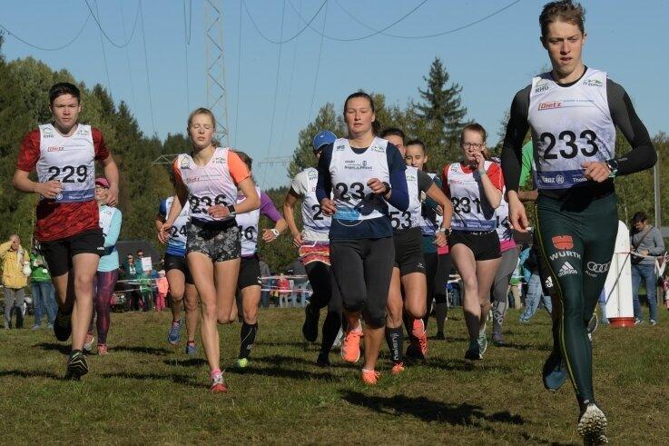 Über fünf Kilometer hat in der weiblichen Konkurrenz Charlotte Böhme vom SV Stützengrün (Startnummer 236) gewonnen. In der männlichen Konkurrenz siegte Kilian Kober vom SV Grünbach (Nummer 233).