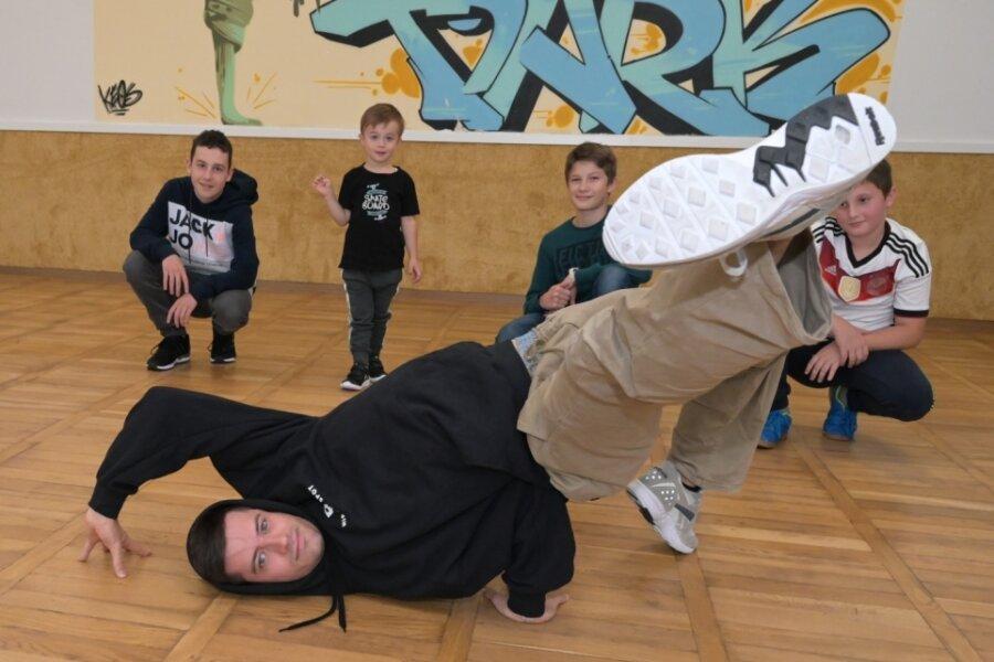Denzko lehrt Breakdance