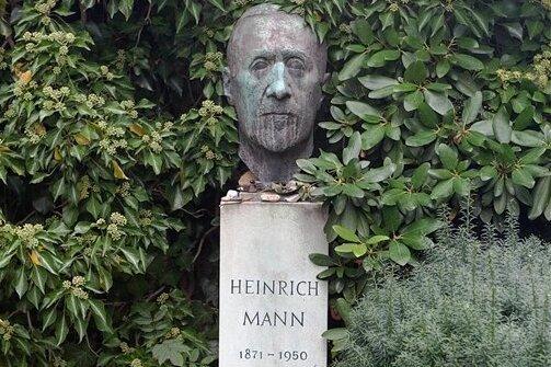 Wo soll man seine Hoffnung ansiedeln? Grabmal Heinrich Manns auf demDorotheenstädtischen Friedhof in Berlin.