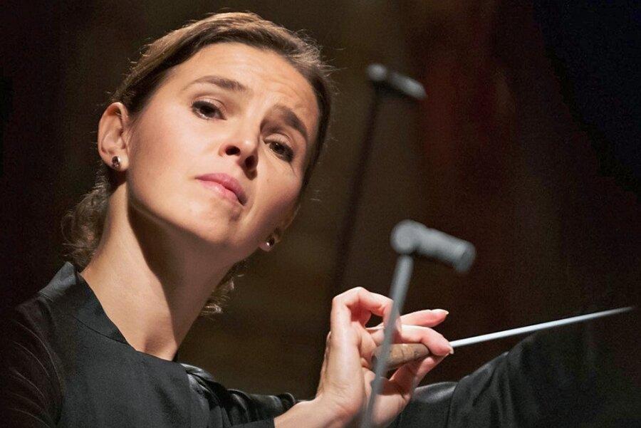 Ändert Tradition mit ihrem Marsch durch die Klassik-Institutionen: Dirigentin und Mozart-Preisträgerin Oksana Lyniv.