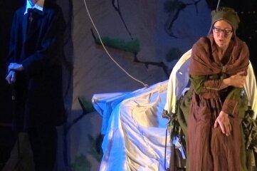 Amalie in Hamburg: Den jungen Godeffroy spielt Hendrik Schubert, die Titelfigur Judith Otto.
