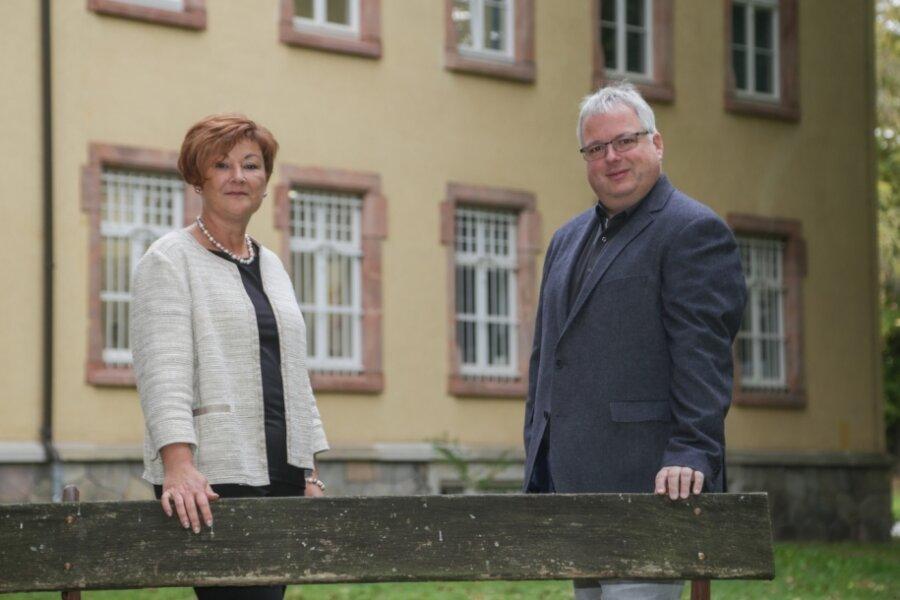 Jana Rickhoff und Dirk Müller leiten die IB Mitte, eine Tochtergesellschaft des Internationalen Bundes, in Chemnitz. Die Gesellschaft ist seit 1991 in der Stadt vertreten und unterhält zahlreiche Einrichtungen auf dem Gelände an der Flemmingstraße.