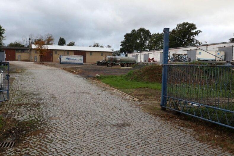 Blick auf das Gelände, wo Dorfzentrum und Festplatz entstehen sollen.
