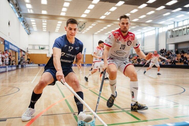 Gabriel Bonifacio (links) erzielte bei der 5:6-Niederlage im Derby gegen den Meister aus Leipzig zwei Treffer für Chemnitz. Die anderen Tore machten Konsta Kupela, Felix Irrgang und Camill Wagner.