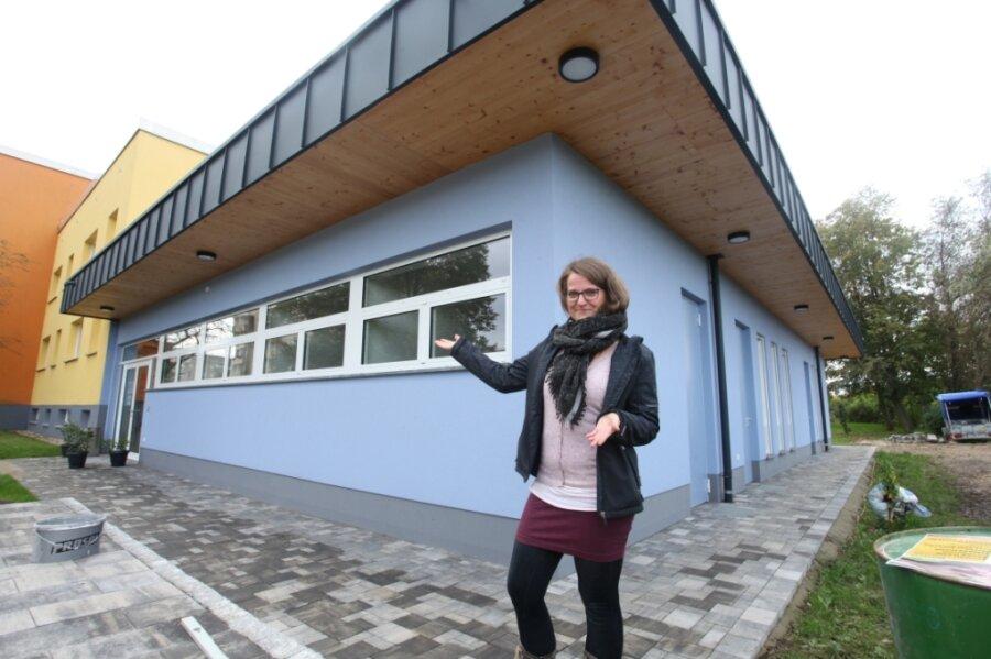 """""""Herzlich willkommen"""", sagt Susann Gläser. Sie hält die Fäden für das Stadtteil- und Familienzentrum in der Hand, das am Freitag in Eckersbach eröffnet wird."""