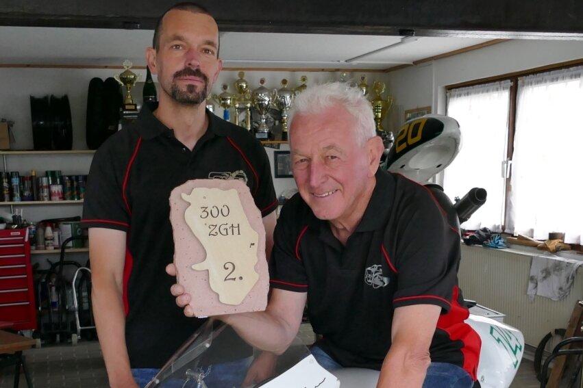 Mit dem 2. Preis in Horice hat sich Johannes Kehrer, der mit seinem Sohn Nico Kehrer ein eingespieltes Rennsport-Duo bildet, ein passendes Geburtstagsgeschenk bereitet.