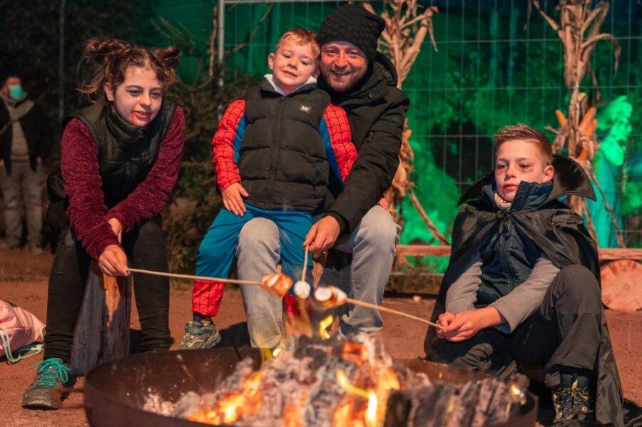 Gruselspaß vor Halloween lockt Besucher in den Freizeitpark Plohn