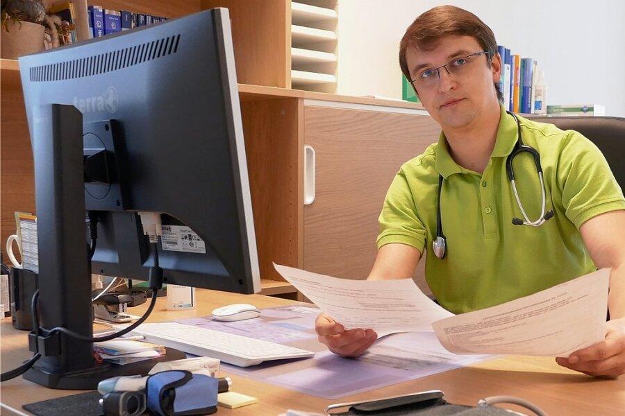 Im Erdgeschoss des ehemaligen Venusberger Gemeindeamtes hat Dr. Markus Fuchs einen perfekten Standort für seine Hausarztpraxis gefunden.