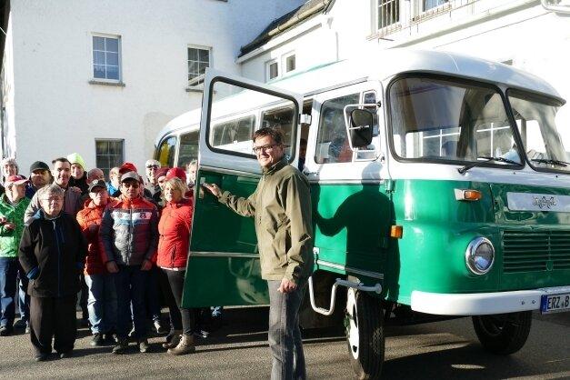 Schon beim Einsteigen in den 1974 gebauten Robur spürte Michael Appel die Freude der Bewohner des Wichernhauses.