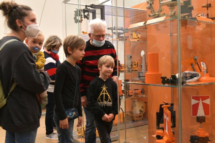 In den Ferien was entdecken - Sonderschau stellt alte Messtechnik vor