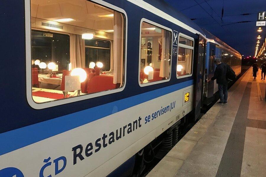 Der Speisewagen der tschechischen Staatsbahnen auf der Linie Hamburg-Dresden-Prag ist für Jaroslav Rudiš ein Lieblingsort.